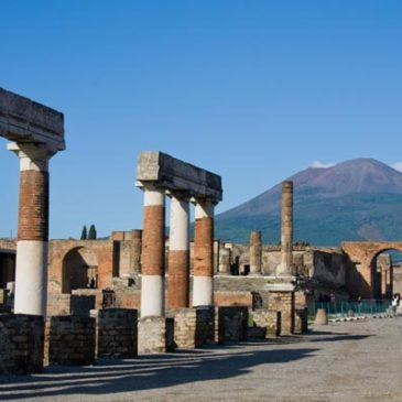 Il Vesuvio in allerta eruzione, perchè lo stato italiano non avverte la popolazione?