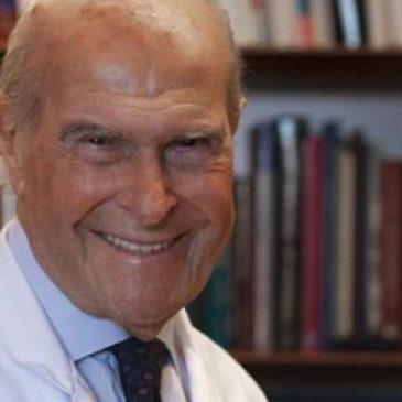 """""""LA CARNE E' CANCEROGENA. NON MANGIATELA"""":  lo afferma l'oncologo, Prof. Dott. Umberto Veronesi."""